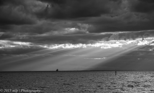 BW II Jacobs Ladder over Williamstown from Elwood Beach, 18 April 2015