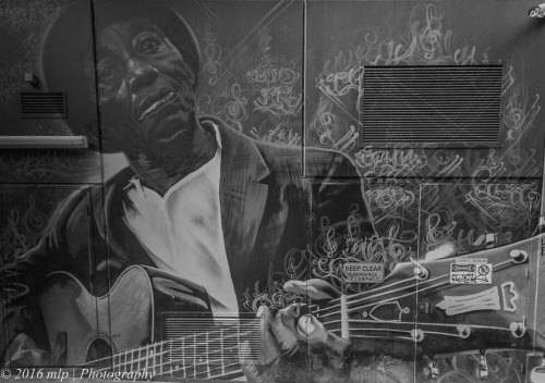 Guitarist wall mural, Flanigan Lane, Melbourne CBD